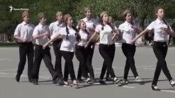 Кримські школярі продовжують відточувати марширування