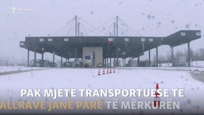 Pak kamionë në kufi pas heqjes së tarifës me Serbinë