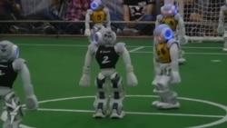 Robotların futbol üzrə dünya kuboku yarışması keçirilib