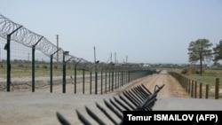 Ограждение на границе Узбекистана и Афганистана