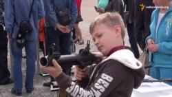 Сєвєродонецьк святкував День перемоги виставкою бойової техніки з АТО