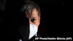 Dacian Ciolos, USR-PLUS egyik vezetője a választás éjszakáján
