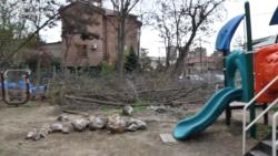 Բաղրամյան 79-ի բնակիչներն ահազանգում են՝ մանկական խաղահրապարակում ծառեր են հատվում
