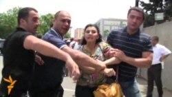 Ictimai Palata İTV qarşısında aksiya keçirdi