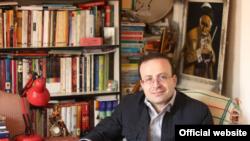 Kamil Ahmadi brit-iráni antropológus.
