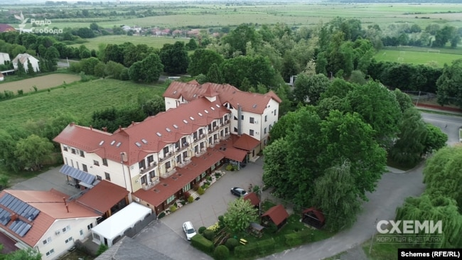 Готель Helicon у селі Янош, Закарпаття