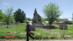 Устоявшие на пьедестале. Памятники советским деятелям