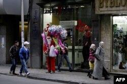 Санта-Клаусан духар доьхначу туьканан йохкархочунна тIехбуьйлу шемахой. Димаьшкъа, 2011 шо