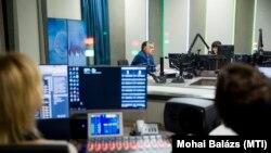 Orbán Viktor miniszterelnök interjút ad a Jó reggelt, Magyarország! című műsorban Nagy Katalin műsorvezetőnek a Kossuth rádió stúdiójában 2018. november 23-án