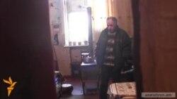Ազատամարտիկի ընտանիքը 25 տարի ապրում է տրոլեյբուսի պարկում