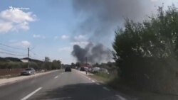 VIDEO Explozie urmată de incendiu la o fabrică de lacuri și vopsele din județul Vâlcea