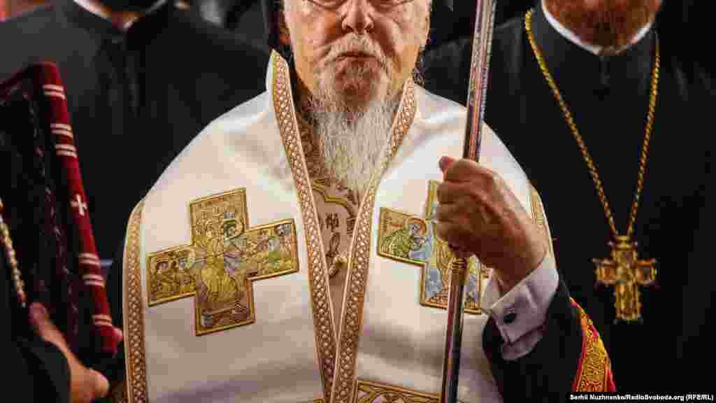 Патріарх Варфоломій подарував митрополиту Київському і всієї України Епіфанію лампаду із зображенням архістратига Михаїла