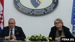 Hrvatski ministar vanjskih i europskih poslova Gordan Grlić Radman tokom sastanka sministricom vanjskih poslova BiH Biserom Turković, 14. april, 2021.