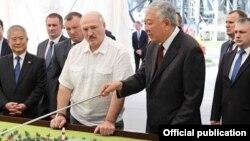 Президент Беларуси Александр Лукашенко и Даниил Урицкий (Данияр Усенов).
