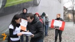 Протест у Празі проти вбивств в Україні безпритульних тварин