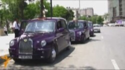 Bənövşəyi taksilər Bakıda