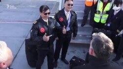 Китай і Росія націлюються на світову аудиторію з пропагандою щодо COVID-19 – відеосюжет