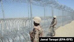 سربازان پاکستانی مستقر در منطقه بین افغانستان و پاکستان