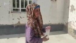 Ба модари лолу бесарпаноҳи 4 кӯдак хона доданд