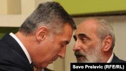Većinski paket Solane je 2005. godine preuzeo 2005. Eurofond, čiji je jedan od akcionara biznismen Veselin Barović (desno), blizak crnogorskom predsjedniku Milu Đukanoviću.