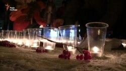 У Сумах містяни виклали зі свічок карту України (відео)