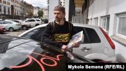 Крымскотатарский художник-керамист Рустем Скибин