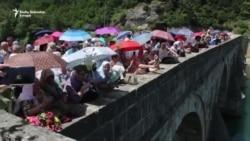 U Drinu spuštene ruže za 3.000 ubijenih Bošnjaka