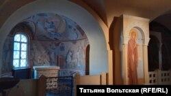 Интерьеры нижнего храма Фёдоровского собора