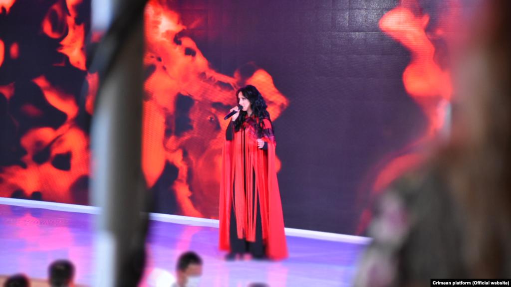 Украинская певица из Крыма Джамала с песней «1944» на открытии саммита «Крымской платформы» в Киеве, 23 августа