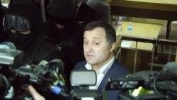Vlad Filat rămâne în arest pentru 30 de zile