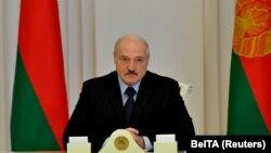 За словами Лукашенка, найважливішими завданнями органів влади на сьогодні є гарантування «безпеки громадян, захист конституційного ладу і забезпечення нормального функціонування органів управління»