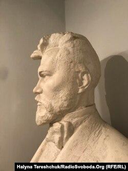 Василь Стефаник, скульптура Е.Миська