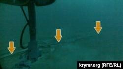 Стрілками позначено знайдений кабель у Чорному морі