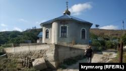 Крымское Приветное – село у виноградников «Массандры» (фотогалерея)