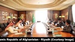 ریاض کې د افغانستان سفارت: د کرونا وبا محدودیتونو سربېره، د ۲۰۱۹ کال په پرتله په ۲۰۲۰ کال کې سعودي عربستان ته د افغانستان صادراتو له ۱۰۰ سلنې ډېره وده وکړه.