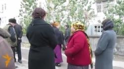 Aşgabat: Adamlar köçä çykdy