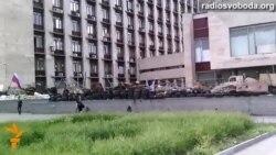 Сепаратисти в Донецьку утримують десятки заручників, немов у карцері – свідок
