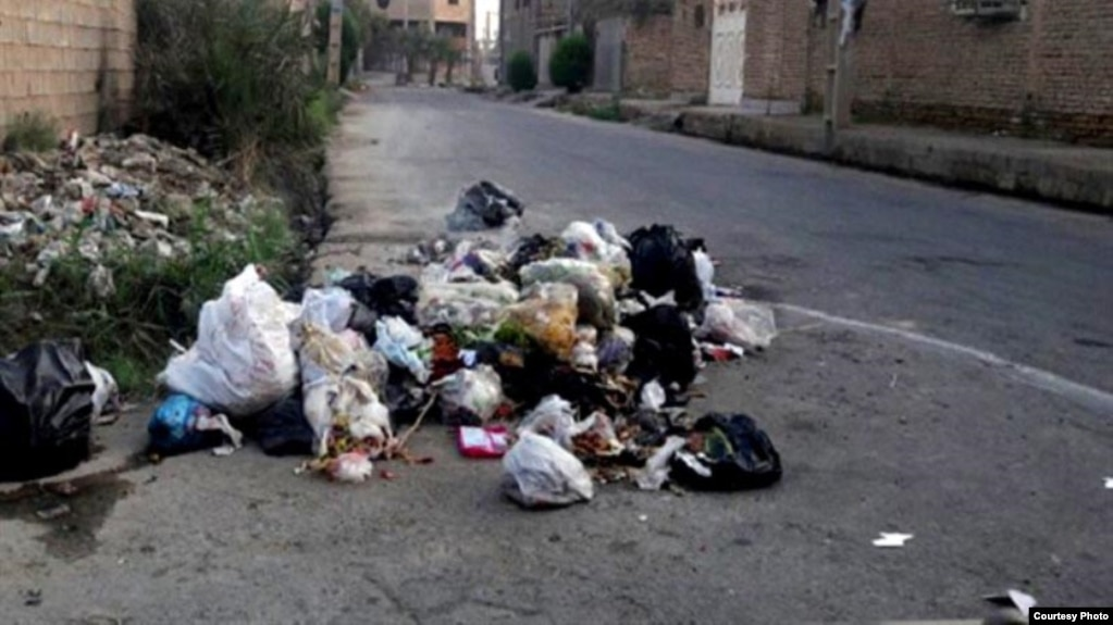 خودداری کارگران در کوت عبدالله از جمعآوری زباله به دلیل عدم دریافت حقوق