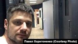 Иркутский активист Павел Харитоненко в отделении полиции