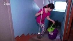 Қара жұмысқа шығып мектепке дайындалған балалар