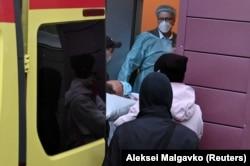 Алексей Навальный в омской больнице