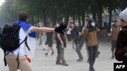 Снимка от протестите в Париж на 31 юли