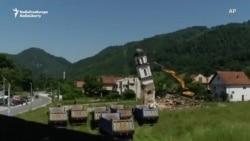 Дар Босния як калисои ғайриқонунӣ тахриб шуд