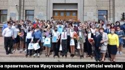 Иркутские чиновники собрали школьников во время ограничений по коронавирусу