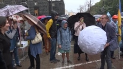Переселенцы из Крыма и Донбасса обратились к украинскому правительству (видео)