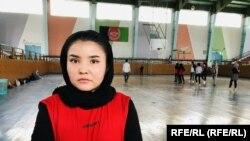 زهرا دولتی عضو تیم منتخب هندبال دختران هرات