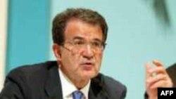 Левоцентристы во главе с Романо проди опередили коалицию Берлускони на 0.07% голосов