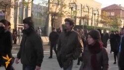 Përplasje mes policisë dhe protestuesve