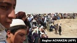 Transfugi la frontiera Afganistanului cu Pakistanul, 15 iulie 2021.