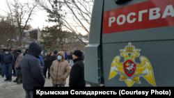 Новые дела против крымских мусульман: как избирали меру пресечения задержанным после обысков крымчанам (фотогалерея)